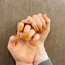 """今年のトレンドカラー""""黄色""""と""""グレー""""を使った春ネイルデザイン15選"""